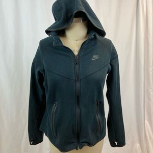 Comfy Nike dry fit running hoodie w/ thumb holes